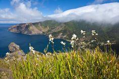 Enjoy the spectacular scenery around Robinson Crusoe Island