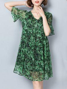 Shop Casual Dresses - Green Floral A-line Casual Printed Print Dress online. Discover unique designers fashion at PopJuLia.com.
