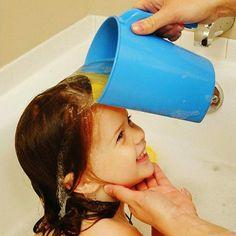 New! MEGA DEAL! FREE SHIPPING! Plastic Baby Kids Child Shampoo Rinses Shower Cup Bath Pail SKU224614