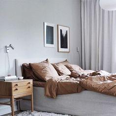 my scandinavian home: Grey, Umber and Chestnut Accents in the Lovely Swedish Home of Elin Odnegård Modern Bedroom Design, Modern House Design, Bedroom Designs, Home Decor Bedroom, Diy Home Decor, Cosy Bedroom, Bedroom Ideas, Swedish House, Scandinavian Home