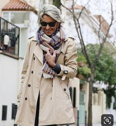 How to use: Trench Coat Clothes For Women Over 50, Stylish Clothes For Women, Stylish Outfits, Fashion Outfits, Fashion Over Fifty, Over 50 Womens Fashion, Classic Outfits For Women, Mode Chic, Urban Fashion