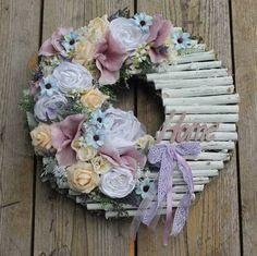 Driftwood Wreath, Twig Wreath, Wreath Crafts, Floral Wreath, Sola Wood Flowers, Fabric Flowers, Paper Flowers, Wooden Clothespin Crafts, Clothes Pin Wreath
