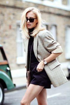 This blazer : Framboise Fashion Denim Mantel, Look Fashion, Autumn Fashion, Womens Fashion, Fashion Trends, Teen Fashion, Spring Fashion, Luxury Fashion, Outfits