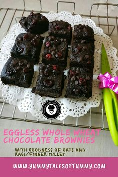Eggless Whole wheat Chocolate Brownies are sweet & tangy, easy to make, contain goodness of oats and ragi/finger millet and above all it's egg free too. Chocolate Mugs, Chocolate Brownies, Vegetarian Platter, Vegetarian Recipes, Whole Food Recipes, Cake Recipes, How To Make Brownies, Choco Chips, Indian Curry