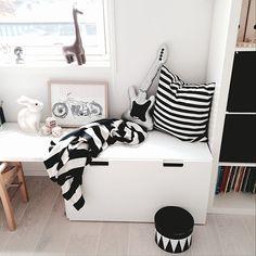 [ Storebrors rom ~ Legobord, oppbevaring, benk ] #myhome #barneromsinspo…