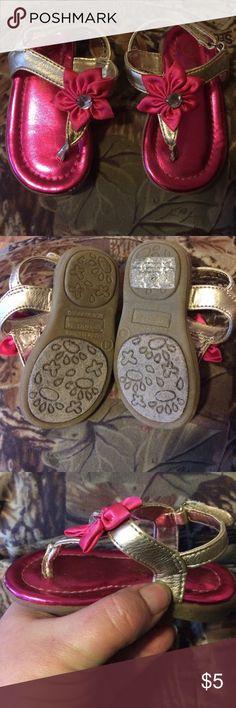 Genuinekids from Oshkosh Infant Sandals Size 4 Size 4 infant girls sandals by Oshkosh. Gently used. Pretty Hot pink and gold. Excellent condition. Osh Kosh Shoes Sandals & Flip Flops