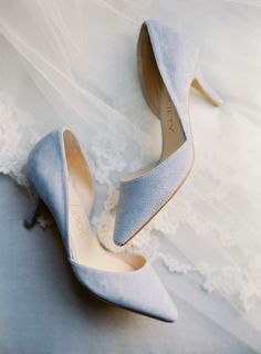 hochzeitsschuhe pumps hochzeitsschuhe hellblau New Wedding Shoes Ideas For Summer New Wedding Shoes Ideas For Summer Bride Shoes, Prom Shoes, Blue Bridal Shoes, Bridal Heels, City Hall Wedding, Dusty Blue Weddings, Trendy Wedding, Summer Wedding, Wedding Ideas