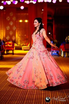 Wedding indian gowns receptions bridal lehenga 34 Ideas for 2019 Indian Wedding Gowns, Indian Gowns, Indian Bridal, Indian Party, Engagement Dress For Bride, Engagement Gowns, Bridal Outfits, Bridal Dresses, Wedding Guest Suits