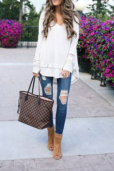 The CUTEST Thermal Top for Fall! Fall Outfits, Casual Outfits, Cute Outfits, Fashion Outfits, Louis Vuitton Neverfull Mm, Louis Vuitton Handbags, Neverfull Gm, Southern Curls And Pearls, Best Designer Bags