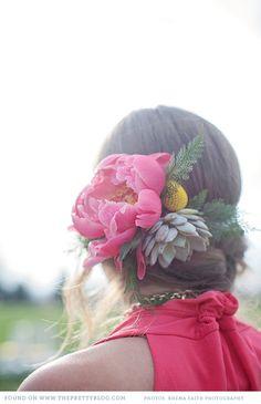 Pink floral headpiece | Photography: @Rhéma Peterson , Flowers: Hana Style Designs