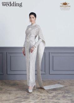 Thai Wedding Dress, Khmer Wedding, Wedding Dresses, Thai Traditional Dress, Traditional Outfits, Thai Fashion, Thai Dress, Princess Wedding, Costume Dress