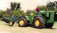 John Deere 8010 FWD