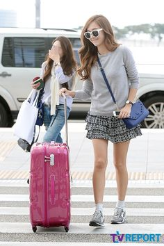 [PHOTOS] 140826 SNSD's Jessica airport photos (Korea >>> Czech Republic) - Kpop World