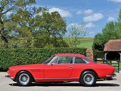 1964 Ferrari 330 GT 2+2   Series I   Colombo V12, 3,967 cm³   300 bhp   Design: Tom Tjaarda, Pininfarina
