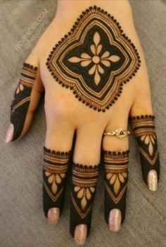 Explore latest Mehndi Designs images in 2019 on Happy Shappy. Mehendi design is also known as the heena design or henna patterns worldwide. We are here with the best mehndi designs images from worldwide. Mehndi Designs Front Hand, Modern Henna Designs, Henna Tattoo Designs Simple, Mehndi Design Pictures, Modern Mehndi Designs, Mehndi Designs For Girls, Mehndi Designs For Beginners, Mehndi Simple, Wedding Mehndi Designs