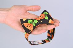 This bow tie with funny pattern is perfectly appropriate for a Halloween party. The accessory is sewn of American cotton. Due to metal fittings size of the accessory can be easily adjusted. In...
