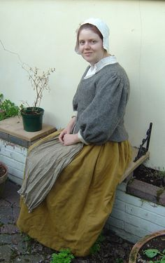 curious about the gathered shoulder and wrist end of the sleeves. Tudor Costume Page