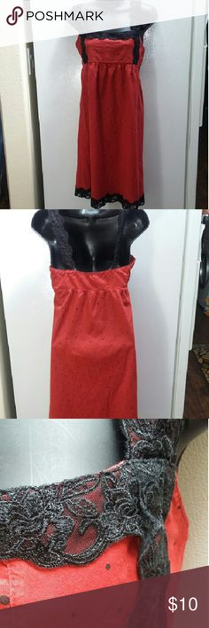 Hurley Dress Very cute dress with lace accents. Has side zipper. Hurley Dresses