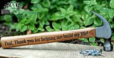 Fathers Day Hammer- great Father's Day gift for my father-in-law. First Fathers Day Gifts, Great Father's Day Gifts, Fathers Day Crafts, Daddy Gifts, Gifts For Dad, Best Gifts, Daddy Day, Mother And Father, Mothers