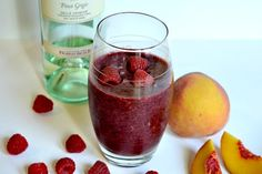 raspberry peach pinot grigio smoothie