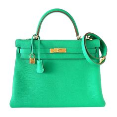 A Kelly bag in Kelly green... How can I resist? {HERMES KELLY 35 Supple Bag MENTHE gold hardware}