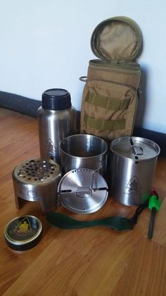 Bottle Cooking Kit (Upgrades, Mods, and AWESOMNESS!) Hey everyone. I've been looking for a compact cooking kit to take along with me when I go camping/hiking. It had to be able to be slung over a shoulder, and have… Survival Food, Camping Survival, Outdoor Survival, Survival Prepping, Camping Checklist, Survival Skills, Camping Hacks, Camping Gear, Survival Bags