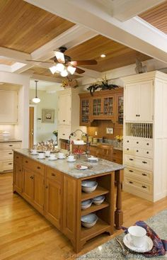 #Kitchen of the Day: Traditional Two-Tone Kitchens Gallery - (By Crown Point Cabinetry)