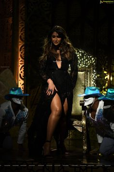 Check out Indian Actress Ileana D'Cruz elegant stills from Telugu cinema Amar Akbar Anthony. She looks mesmerizing. Indian Actress Hot Pics, Indian Bollywood Actress, Bollywood Girls, Beautiful Bollywood Actress, Beautiful Indian Actress, Beautiful Actresses, Indian Actresses, Beautiful Women, Illeana Dcruz Hot