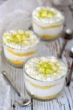 Citromos álom recept - Kifőztük, online gasztromagazin Best Dessert Recipes, Cake Recipes, Cake In A Jar, Cold Desserts, Hungarian Recipes, Paleo, Cake Cookies, No Bake Cake, Food And Drink