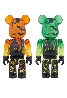 Halloween Bearbrick Toys In Orange & Green with Bat Details for fun & Games with Halloween-Themed Designer Toys! Via Plastic and Plush Halloween 2014, Disney Halloween, Halloween Night, Spirit Halloween, Baby Halloween, Halloween Themes, Halloween Inspo, Robots For Kids, Toy Collector