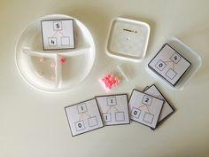 In groep 3 leren de kinderen getallen splitsen. Op de website van juf Crista kwam ik hiervoor een leuke oefening tegen. Zij heeft een spitsbordje bedacht waar