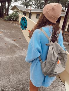 It's late summer urf lesson is free How are you, couple? It's late summer and we're offering free surfing lessons. Surfergirl Style, Surf Style, My Style, Look Girl, Girl Fashion, Fashion Outfits, Surf Girls, Summer Pictures, Summer Aesthetic