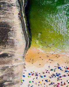 Itacoatiara (em Niterói):   12 fotos aéreas de praias brasileiras para querer fugir de onde você está
