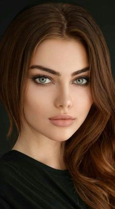 Most Beautiful Eyes, Stunning Eyes, Beautiful Women Pictures, Beautiful Girl Image, Girl Face, Woman Face, Brown Hair Green Eyes, Brunette Beauty, Pretty Eyes