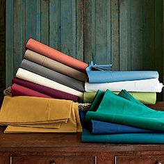 Classic Percale Collection http://www.thecompanystore.com/classic-percale-sheets/e4s5-ps-r13.html?prefn1=size=color=1=green=Green=King