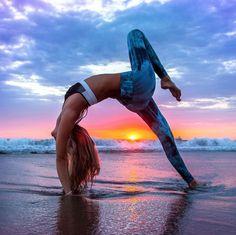 Yoga Pose   Yoga Inspiration   Yogi Goals   Flexibility   Beach Yoga