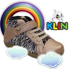 Uma dica para as mamães antenadas.  Sneaker de moda infantil menina Klin, confeccionado em material alternativo. Detalhes de recortes envernizados, estampado em animal print zebra, com plaquinha da marca na tira e tachas aplicadas na lateral, zebrinha para sua filha arrasar no look.   #Conforto #Klin #Sneaker https://www.facebook.com/lojasbeber https://twitter.com/ https://plus.google.com/u/0/108895303695321285235/posts