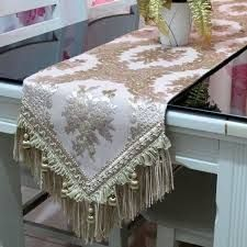 Resultado de imagen para caminos de mesa modernos online Woodworking Jigs, Woodworking Projects, Canadian Smocking, Table Runner And Placemats, Tablerunners, Table Centerpieces, Vanity Bench, Table Settings, Blanket