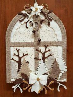 Natale@decori@feltro@pannolenci Easy Christmas Decorations, Beaded Christmas Ornaments, Felt Decorations, Felt Ornaments, Christmas Wreaths, Christmas Placemats, Christmas Sewing, Christmas Embroidery, Christmas Projects