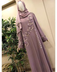Abaya for muslima Modest Fashion Hijab, Niqab Fashion, Fashion Dresses, Modesty Fashion, Islamic Fashion, Muslim Fashion, Hijab Gown, Modele Hijab, Hijab Fashion Inspiration