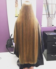 ⭐️ 💁🏼 🔹Trim your hair when needed to keep it one length and healthy, but let it grow very long, be healthy and treat your hair like gold and your hair will become perfect! Long Dark Hair, Long Hair Trim, Rapunzel Hair, Super Long Hair, Silky Hair, Beautiful Long Hair, Hair Lengths, Straight Hairstyles, Hair Inspiration