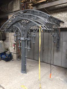 Pergola Kits With Canopy Wrought Iron Decor, Wrought Iron Gates, Steel Trusses, Sculpture Metal, Door Gate Design, Cast Iron Radiators, Metal Art Projects, Steel Art, Iron Art