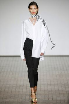 Reinaldo Lourenço | Spring 2017 Ready-to-Wear Collection - São Paulo | Vogue Runway