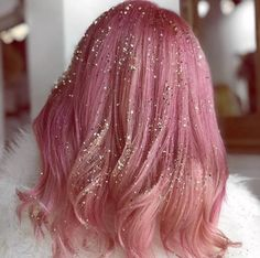7 Glitter Hair Looks That Are Perfect For the Holidays — and So Easy to Do Hair Tinsel, Natural Hair Styles, Long Hair Styles, Fantasy Hair, Fantasy Makeup, Holiday Hairstyles, Aesthetic Hair, Grunge Hair, Crazy Hair