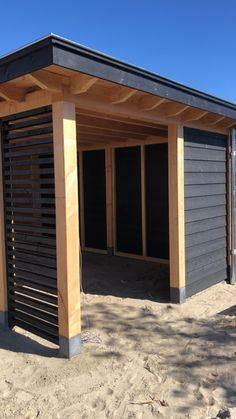 10 Stylish Pergola Ideas for Your Backyard Pergola Carport, Wood Pergola, Diy Pergola, Gazebo, Carport Garage, Covered Pergola Patio, Covered Back Patio, Building A Pergola, Modern Pergola