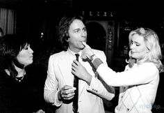 Joyce DeWitt, John Ritter and of Three's Company Priscilla Barnes, John Ritter, Three's Company, Comedians, Over The Years, Falling In Love, Favorite Tv Shows, Couple Photos, Face