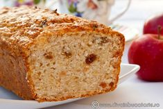 chec-de-post-cu-mere-rase-rase-si-stafide No Cook Desserts, Delicious Desserts, Mom Birthday Crafts, 90th Birthday, Birthday Gifts, Vegetarian Recipes, Cooking Recipes, Loaf Cake, Foods To Eat
