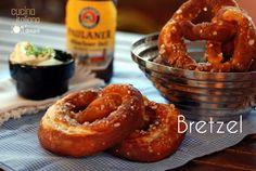 I bretzel o pretzel che dir si voglia, sono quei deliziosi panini di forma particolare simile ad un ventaglio, tipici della cucina tedesca, .........