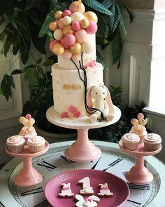 @cakesisterspace Happy birthday 🌸 #cakedesign #birthdaycake #cakedecorating #babycake #cakesisterspace #cakeideas #cakeinspo #cakeinspiration #lovely… Girls First Birthday Cake, Boys 1st Birthday Party Ideas, Baby Birthday Cakes, Happy Birthday, Baby Shower Party Games, Boy Baby Shower Themes, Baby Shower Cakes, Cake Inspiration, Victoria Cakes