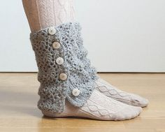 Cute idea - crochet leg warmers that actually button.